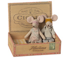 Myszki Mama i Tata W Pudełku Po Cygarach MAILEG (1)