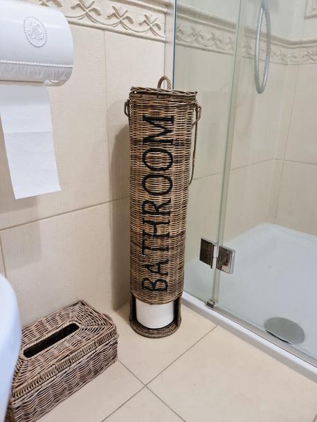 Stojak Rattanowy Hampton Na Papier Toaletowy (1)