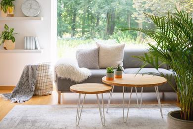 Stylowe poduszki – dodatki do wnętrz w stylu skandynawskim